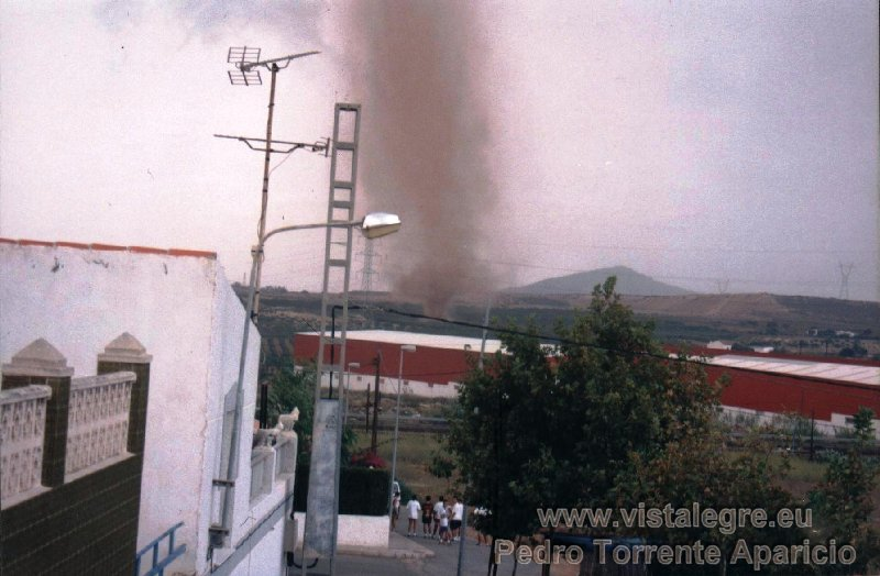 Tornado EF1-EF2 en Vista Alegre, Cartagena, Murcia. Foto Pedro Torrente Aparicio. Fuente SSW